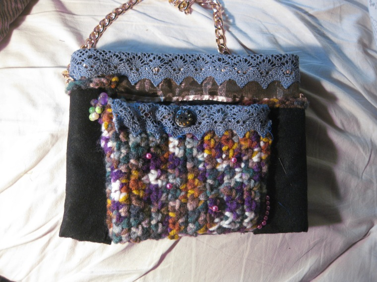 Clarissa 25x20cm felt,crochet, front pocket, beadsIMG_1890